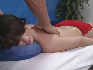 lovely petite gives a head