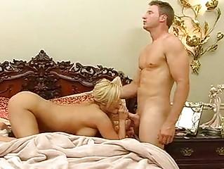 dick worshiping pretty shyla stylez feeds her