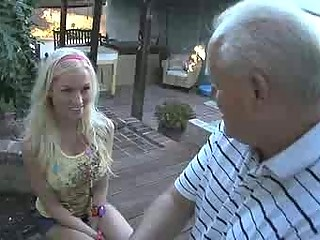 slutty amateur seduces her boyfriends elderly
