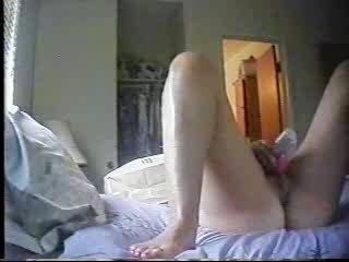 my mummy dildoing inside the mornin. hidden cam.