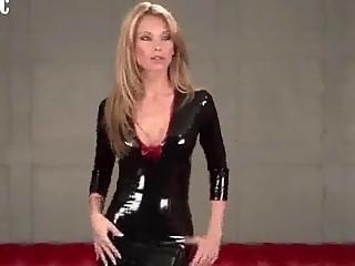 gorgeous maid inside erotic  latex apparel