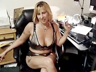 sweet sue from smokingcharms.com being her