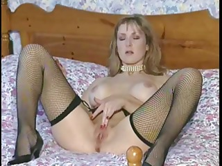 mandy is a fresh italian housewife who loves to