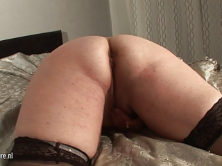 fresh chubby older  whore woman and her cucumber