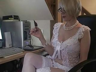 cougar bureau vagina gangbanging