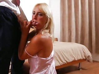 tough milf cool girl roxxx bangs and licks