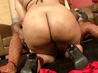 huge bottom ebonies have strapon triple