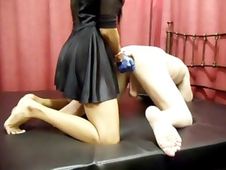 milf sujirra administers some backdoor fingering