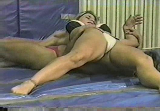 flamingo wrestling ww37 nina vs suzanne woman