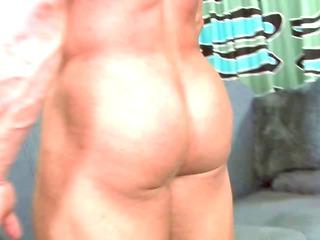 cougar buff straight bodybuilder trades head with