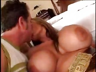 cougar lady with large chest sexing fresher