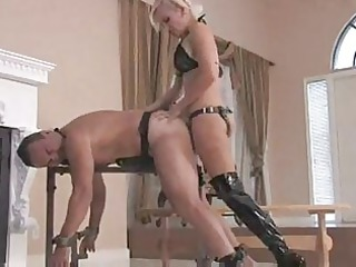 mistress sklyer each inch strapon